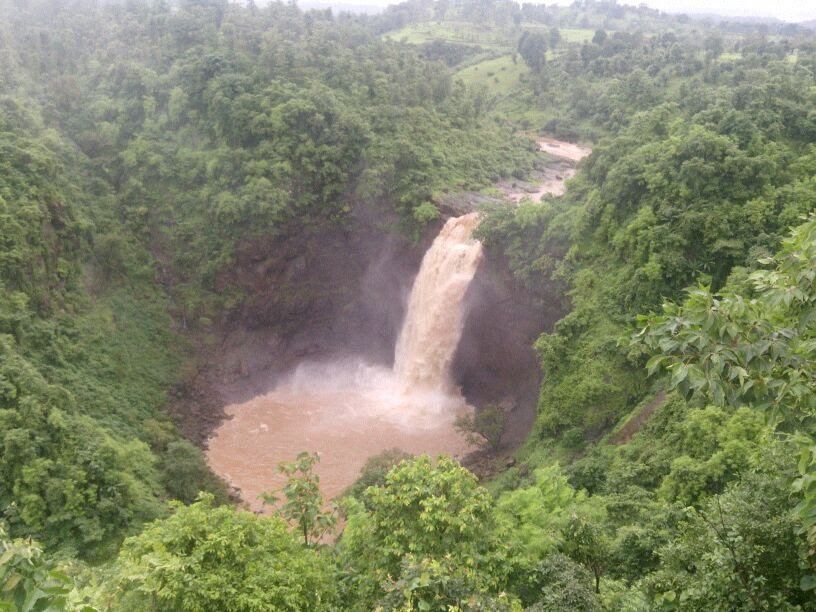 heavy waterfall in Jawhar
