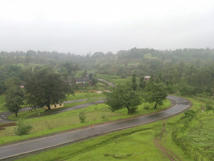 winding roads of Jawhar
